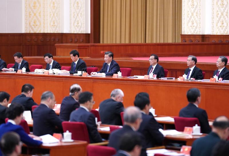 中国共产党第十九届中央委员会第五次全体会议,于2020年10月26日至29日在北京举行。这是习近平、李克强、栗战书、汪洋、王沪宁、赵乐际、韩正等在主席台上。新华社记者 殷博古 摄